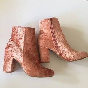 Street Wear Society Dusty Rose Suede Boots Size 8